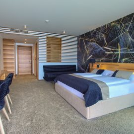 Deluxe double room with balcony and sea view a2