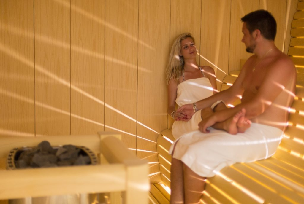 Turkish and Finnish saunas, and jacuzzi
