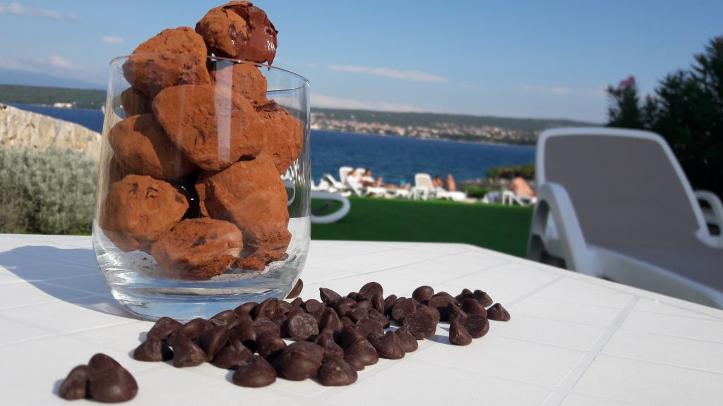 Gourmet restoran nudi Callebaut čokoladne tartufe