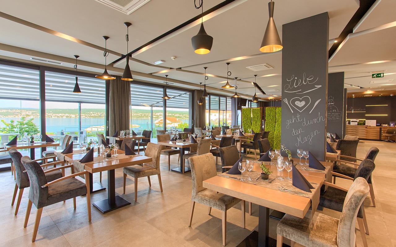 Dining area in hotel Villa Margaret